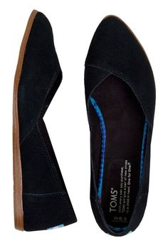 TOMS Black Suede Jutti Flats | So comfortable and actually very flattering
