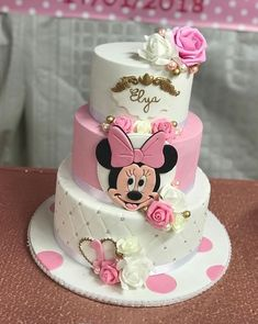 22 Cute Minnie Mouse Cake Designs - The Wonder Cottage Mini Mouse Birthday Cake, Baby Girl Birthday Cake, Minnie Mouse Birthday Decorations, Minnie Mouse Theme Party, Minnie Mouse First Birthday, Minnie Mouse Baby Shower, Mickey Birthday, Birthday Kids, Minnie Mouse Cake Design