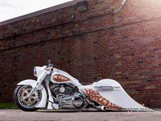 Custom Bagger Harley Road King Must See Harley Davidson Custom Bike, Harley Davidson Chopper, Harley Davidson News, Harley Davidson Motorcycles, Custom Motorcycles, Custom Bikes, Bagger Motorcycle, Road King Classic, Auto Retro