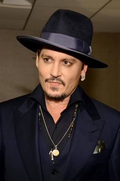 Image shared by rafaella t. Find images and videos about handsome, johnny depp and black mass on We Heart It - the app to get lost in what you love. Hot Actors, Actors & Actresses, The Hollywood Vampires, Johnny Depp Movies, Johny Depp, Stud Muffin, Captain Jack Sparrow, Most Beautiful Man, Good Looking Men