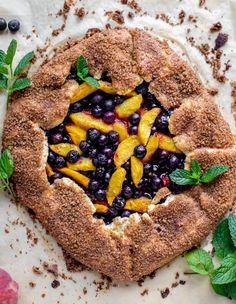 Homemade Desserts, Dessert Recipes, Peach Cobbler Bars, Brown Sugar Peaches, Ginger Peach, Vanilla Bean Ice Cream, Sweet Pie, Summer Desserts, Sweet Desserts