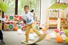 KidBoard is classical balance bord inspired of Waldorf education. The KidBoard is made with many layers of the best birch plywood, which are stacked and pressed under high pressure, and has a uniquely designed curve. There are options for customizing the KidBoard to make it special to you.