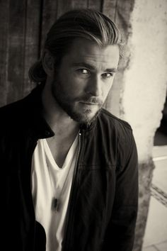 Chris Hemsworth the only man I will ever love with long hair other than Charlie Hunnam.