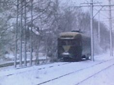 DC Transit PCC on Route 82 during blizzard (1958) (photo by Ken Helel).