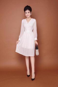 Đầm xòa tay dài kết nút bọc màu trắng | Đầm xòe đẹp
