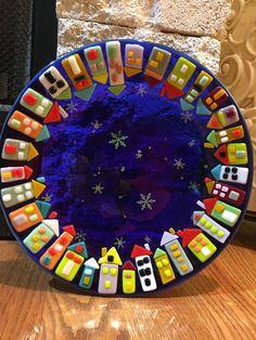 Fused glass bowl #StainedGlassJewelry