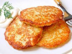 6 pancakes recipes that you eat with a spoon Cheap Chicken Recipes, Good Food, Yummy Food, How To Cook Potatoes, Fries In The Oven, Potato Dishes, Russian Recipes, Food Inspiration, The Best