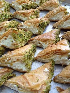 Phyllo dough turnovers with Clotted Cream + Pistachios – Warbat Ashta – mahnaz zeidanian – arabicsweets Lebanese Desserts, Lebanese Cuisine, Lebanese Recipes, Turkish Recipes, Greek Recipes, Ethnic Recipes, Arabic Dessert, Arabic Sweets, Afghanistan Food