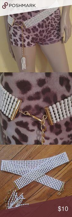 "Vintage White Fashion Belt w Tassel Vintage White Fashion Belt w Tassel. Signed Hong Kong Fits up to 30"" Vintage Accessories Belts"