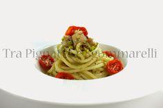 Spaghettoni con cernia, pesto di finocchietto selvatico, granella di pistacchi e pomodorini confit | Tra pignatte e sgommarelli