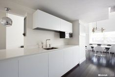 Amazing Inspirations for Apartment Interior Design from NYC: Appealing Kitchen Space Idea Applied In Upper East Side Luxury Apartment Finis. Apartment Interior Design, Luxury Homes Interior, Luxury Home Decor, Luxury Apartments, Interior Architecture, Interior Modern, Kitchen New York, Life Kitchen, Futuristic Interior