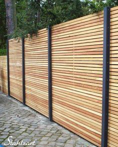 Sichtschutzzaun Holz Lärche Metall anthrazit modern · STAHLZART Whilst ancient within idea, a pergola is Wood Privacy Fence, Diy Fence, Backyard Fences, Front Yard Landscaping, Fence Ideas, Garden Fences, Yard Ideas, Modern Garden Design, Landscape Design