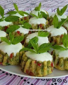 """357 Beğenme, 29 Yorum - Instagram'da Belma Arduç (@belmaablaninmutfagi): """"Merhabalar dostlar bugün yine misafirlerim var izinde bitiyor pazartesi iş başı napalım sayılı gün…"""" Finger Food Appetizers, Healthy Appetizers, Appetizers For Party, Finger Foods, Appetizer Recipes, Snack Recipes, Snacks, Turkish Salad, Salty Foods"""