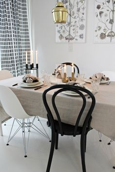 Vitra / Eames Dsr / Ton / Thonet / Artek / Kubus / By Lassen / Marble / Iittala / Hobstar / Balmuir / Linen / Table setting / Scandinavian home Dining Area, Dining Table, By Lassen, Bentwood Chairs, Scandinavian Home, White Houses, Interior Design Inspiration, Wood Table, Architecture Design