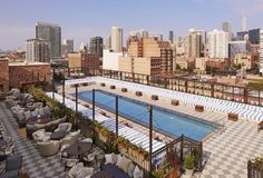 How To Sneak Into Chicago's 12 Best Hotel Pools