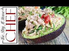 This Healthy Tuna Stuffed Avocado is stuffed with a flavorful southwest mixture of tuna, bell pepper, jalapeno, and cilantro. No mayo necessary here! It's the perfect healthy lunch. Healthy Tuna, Healthy Snacks, Healthy Eating, Avocado Recipes, Paleo Recipes, Cooking Recipes, Tuna Recipes, Stay At Home Chef, Easy Meals