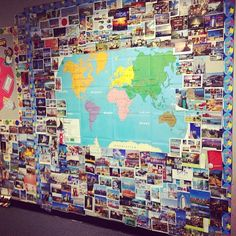 What a great way to globalize the hallway at school: awesome bulletin board ideas to expose your kids to languages around the world! Geography Bulletin Board, Multicultural Bulletin Board, Travel Bulletin Boards, Diversity Bulletin Board, World Bulletin Board, Reading Bulletin Boards, Diversity Display, Unity In Diversity, Harmony Day