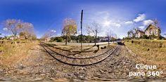 """A linha férrea esta integrada à cidade, com o ar europeu dos Platanus e uma ciclovia que percorre todo seu percurso, proporcionando lazer para moradores e turistas que caminham e pedalam em seus 8km. Na foto a composição A4, fabricada em 1914 e que faz o percurso até Santo Antonio do Pinhal no passeio conhecido como """"Trem da Serra"""" - aproveite para ver a panorâmica 360º"""