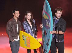 Teen Choice Awards 2012 Complete Winners List http://www.glamourvanity.com/hot-celebrity-news/teen-choice-awards-2012-complete-winners-list/