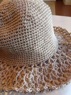 Hellehattu + ohje – lankasatamanblogi.fi Crochet Hats, Accessories, Fashion, Knitting Hats, Moda, Fashion Styles, Fashion Illustrations, Jewelry Accessories