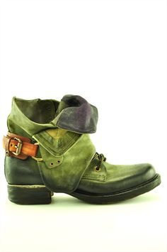 Now THAT is a pair of green boots I can see myself in