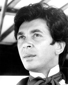 Frank Langella Hollywood Actor, Golden Age Of Hollywood, Hollywood Icons, Zorro Movie, Movie Market, The Lone Ranger, Good Looking Men, Male Beauty, Horror Films