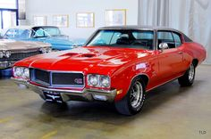 To be in the driver's seat, breathing in the smell of the leather, listening to the car's motor purr as I turn the key in the ignition and letting this 1970 Buick GS hug every curve on the road is definitely a fantasy of mine. Buick Muscle Car, Old Muscle Cars, American Muscle Cars, Buick Gsx, Buick Cars, Buick Skylark, Us Cars, Performance Cars, Vintage Cars