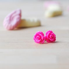 New to Onetenzeroseven on Etsy: Hot Pink Rose Earrings | Nickel Free Studs | Bright Pink (4.50 GBP)