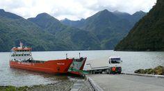 Embarcando a Leptepu.Ruta 7, Región de Los Lagos, Chile
