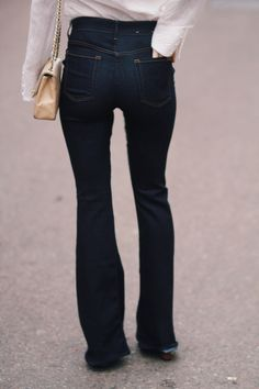 7 for all mankind flared jeans fashion blogger street style | Queen of Jet Lags