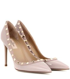WeenFashion Womens Hollow Out Closed Pointed Toes Lining Material PU Upper Material Patent Leather Pumps