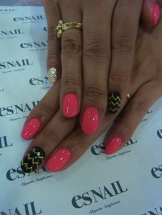 Love love lloovvee these colors awesome accented Nails....