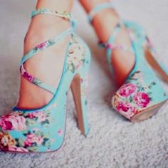 Vintage Rose Pumps. LOVE