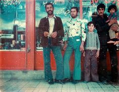 vintage everyday: Before the 1979 Revolution – 20 Stunning Color Photographs That Show Beautiful Iranian Fashion in the 1970s