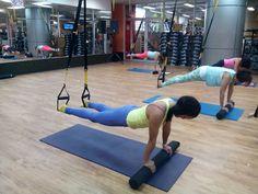 Entrenamiento de pilates en suspensión.   Twitter @nilledsojo / Instagram @nilled1050