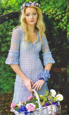 Modelo de vestido em crochê delicado leve e romântico.             grafico