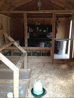 ADD IN STORAGE AREA? Coop interior-I really like the simple way they separated the space #urbanchickens #ChickenCoopPlans