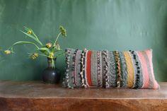 kudontakurssi-jatkot-hilmala Throw Pillows, Bed, Home, Toss Pillows, Cushions, Stream Bed, Ad Home, Decorative Pillows, Homes