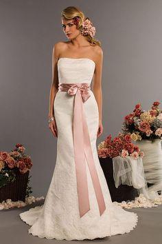 Casada e Apaixonada: Vestido de Noiva com Fita na Cintura