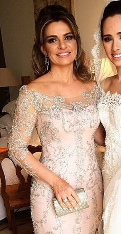 So pretty! I love the mother of the bride dress. Perfect for a champagne theme wedding Mother Of The Bride Dresses Long, Mother Of Bride Outfits, Mothers Dresses, Wedding Attire, Wedding Dresses, Mob Dresses, Bride Gowns, Special Occasion Dresses, Beautiful Outfits