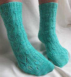 Phloem socks by Rachel Coopey on Knitty issue Spring/Summer 2012