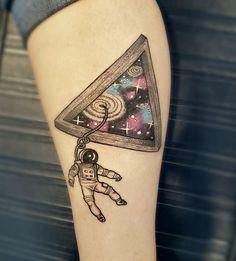 30 tatuagens para quem ama o espaço