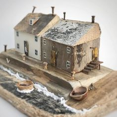 Driftwood Animals and Beach Homes by Kirsty Elson Give New Life to Elements From the Sea (Colossal) Scrap Wood Crafts, Wooden Crafts, Diy And Crafts, Driftwood Projects, Driftwood Art, Driftwood Ideas, Kirsty Elson, Small Wooden House, Wooden Houses