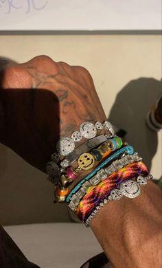 Travis Scott Hoodie, Link Bracelets, Cuff Bracelets, Travis Scott Kylie Jenner, Jewelry Editorial, Stylish Nails, Luxury Jewelry, Jewelery, Jewelry Accessories