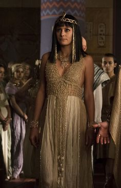 Sibylla Deen as Ankhesenamun in Tut (2015)