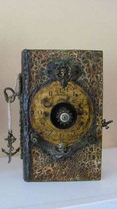 OP-Altered Book Box (The Pirate) my friend Wendy Whalen did on an art retreat in Portugal. Halloween Spell Book, Halloween Spells, Halloween Costumes, Arte Steampunk, Altered Book Art, Altered Bottles, Handmade Books, Handmade Journals, Assemblage Art