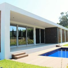 Excellent Opportunity of Investment. Villa T4 in Turist Area in Estoril Portugal.  More information about this villa contact us. #LuxuryRealEstate #DreamHouses #HighRealEstate #RealEstate