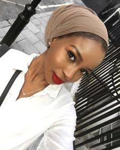 Protective Styles For Natural Hair Discover Headwraps - Head Wrap - Turban Women - Head Scarf- Headwraps for Women - Head wraps for Women - Hair Wrap - Hair Scarf - Head Scraves Women My Hairstyle, Scarf Hairstyles, Hairstyle Images, Messy Bun Hairstyles, Mode Turban, Turban Hijab, Turban Outfit, Curly Hair Styles, Natural Hair Styles