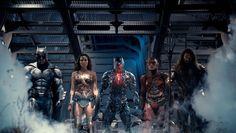 Questo nuovo scatto ci mostra in posa i supereroi DC che saranno protagonisti della nuova pellicola Justice League. Diffusa nelle scorse ore da USA Today,