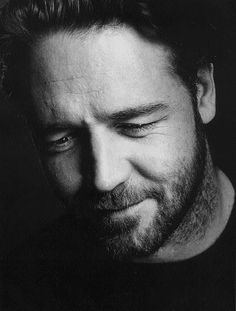 what a beautiful smile . Russell Crowe